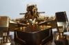 gold optimus prime (deluxe class) image 18